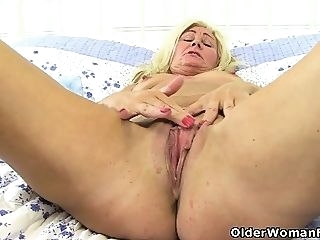 blonde British mature Ellen's big cunt will keep her busy hd masturbation