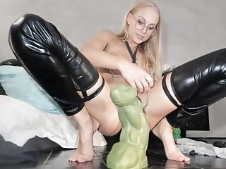 webcam ass stretching while wearing clamps anal top rated