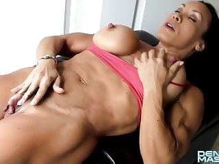 hd videos Denise FBB Big Clit big clit muscular woman