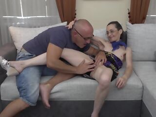amateur Bald man is licking Corinnas pussy and getting a blowjob from her, in the end brunette hd