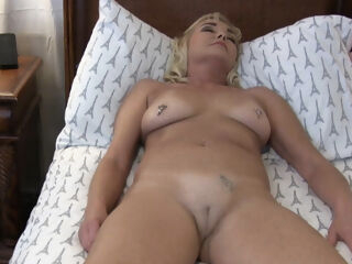american StepMommy Loves the New Pefume From Her StepSon blonde fetish