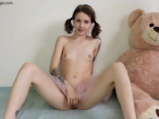 amateur Sexy teen brunette hd