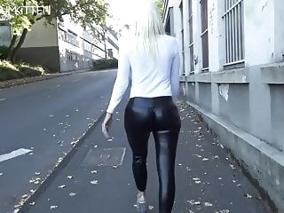 amateur Lara CumKitten - SPERMAWALK AND LEGGINGSWALK blonde blowjob