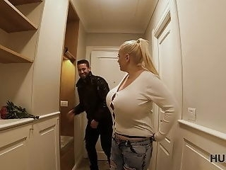 blonde HUNT4K. Getting lost heading on your first date? blowjob milf