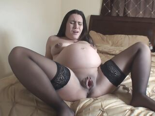 amateur Pregnant Labour brunette fetish