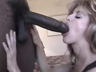 amateur Mature woman fucked by bbc at hotel big cock big tits