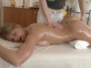 amateur Massage with a happy end and a big cock in her big cock big tits